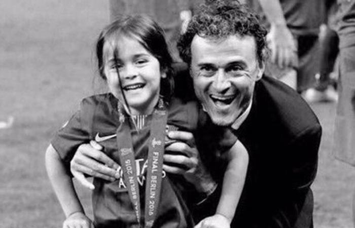 Luis Enrique con su hija. Foto: Reproducción twitter