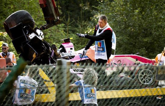 Así quedó el carro luego del accidente. Foto: EFE