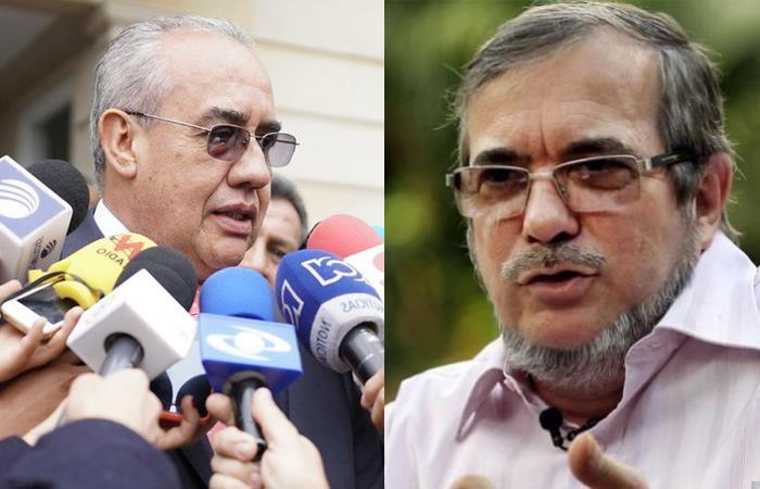 Pablo Elías Gónzalez, director de la UNP (izq), y Rodrigo Londoño, máximo líder de la FARC (der). Foto: Twitter