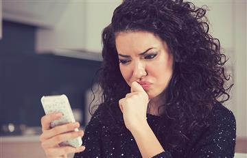 ¿No te escribe? Esta podría ser la razón por la que tu pareja no te contacta durante el día