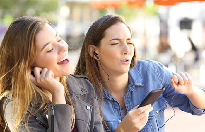 ¿Cómo usar el Facebook Lip Sync Live?