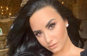Con un mini bikini, Demi Lovato deja ver su celulitis y sus fans la aplauden