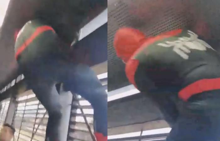 El 'Spiderman' de TransMilenio. Foto: YouTube