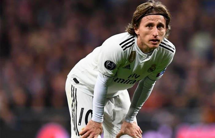 Luka Modric podría perderse el partido ante PSG por Champions League. Foto: Twitter @lukamodric10