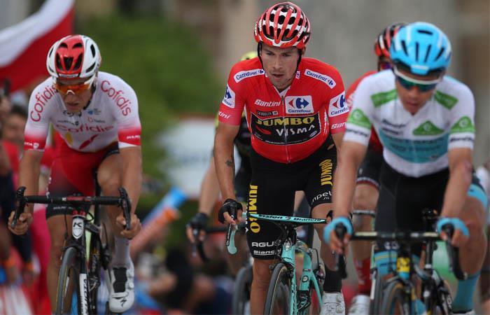 Roglic deberá aguantar el ataque de los demás pedalistas favoritos al título. Foto:EFE