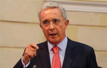 ¡Vuelve y juega! Abuchean a Uribe en el Meta