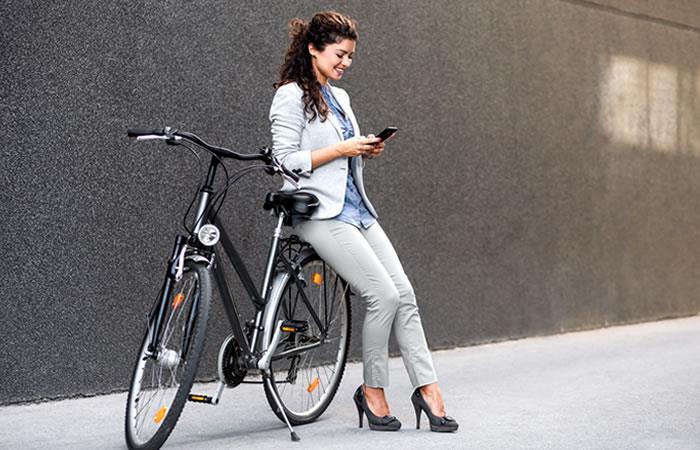Esta semana de la Bicicleta en la ciudad intenta resaltar la femineidad sobre las 'bicis'. Foto: Shutterstock.