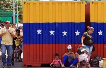 """Panfletos anuncian """"limpieza social"""" contra venezolanos en Bogotá"""