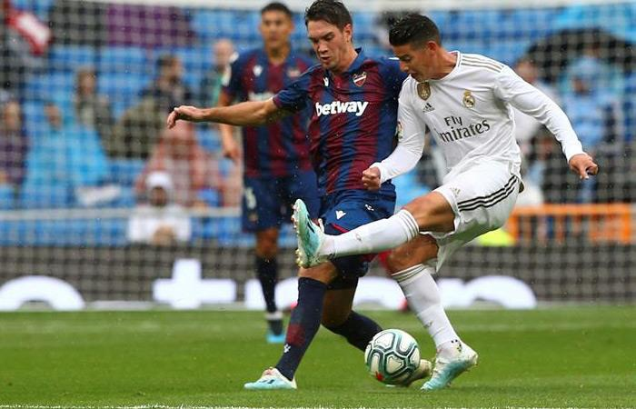 James Rodríguez espera tener un buen debut en Champions League con Real Madrid. Foto: EFE