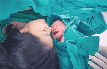 Estudio demostraría que el tipo de parto interfiere en las bacterias que adquieren los bebés