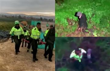 [VIDEO] No todo es malo: Policía rescata abuelito perdido en humedal Juan Amarillo