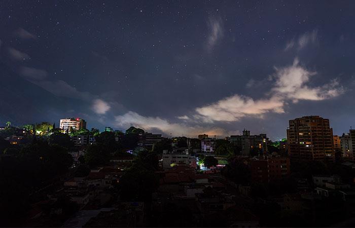 Una vez más, Venezuela sin luz. Foto: Shutterstock