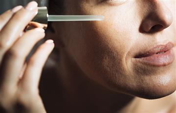 ¡Aleja las arrugas! Conoce las ventajas de usar suero en tu piel