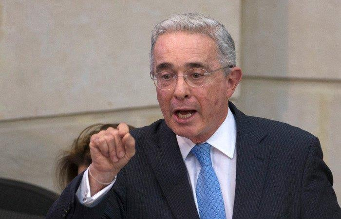 Video de Álvaro Uribe con paramilitares