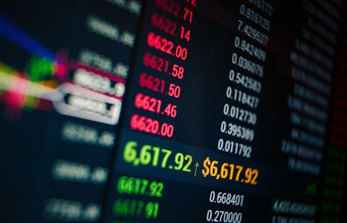 Cómo está afectando la caída de los precios del petróleo a los mercados financieros