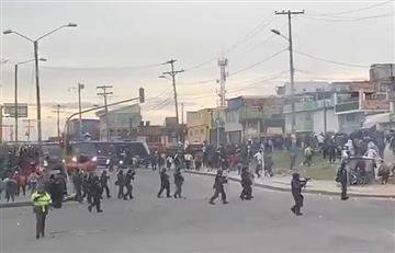 Policía y manifestantes se enfrentan durante el Paro Nacional de Transportadores en Bogotá