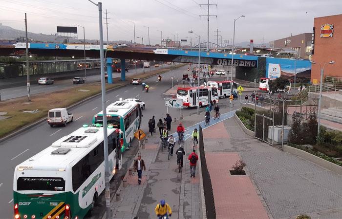 En Soacha ya se empiezan a movilizar algunos buses municipales, pero no los que conectan con Bogotá. Foto: Twitter