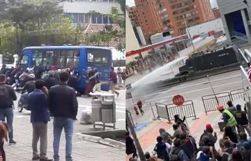 Al menos cinco heridos por choques entre estudiantes y policías en Bogotá