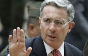Uribe no aprueba proyecto para modificar fallos de la Corte Constitucional