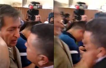 [VIDEO] El duro golpe que recibió Hugo Ospina, líder de los taxistas, en Bogotá