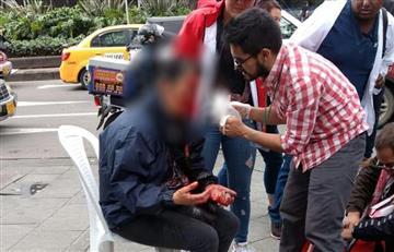 [VIDEO] Mujer resultó herida tras estallido de 'papa bomba' en Bogotá