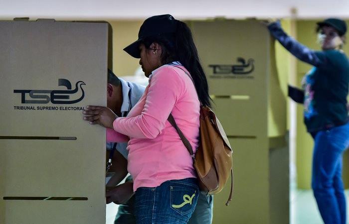 Los colombianos saldrán a las urnas el próximo 27 de octubre. Foto: Twitter