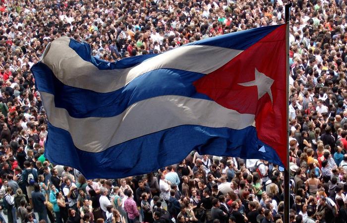 Imagen de la bandera de Cuba, compartida por el partido FARC en redes sociales. Foto: Twitter