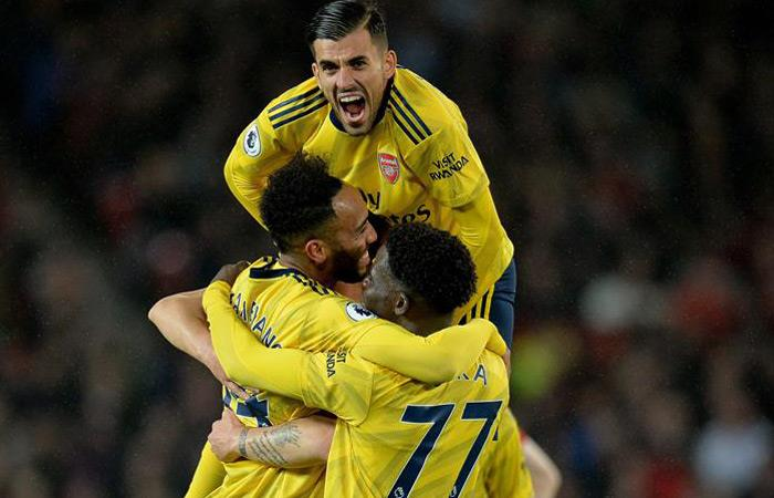 Arsenal logró llevarse un empate en su visita a Manchester United. Foto: EFE