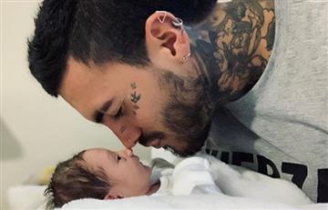 Nuevo tatuaje de Mateo Carvajal con el que celebró el segundo mes de su hijo