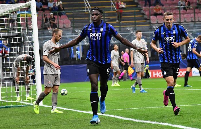 Duván Zapata marcó el único gol de Atalanta en la Champions League. Foto: EFE