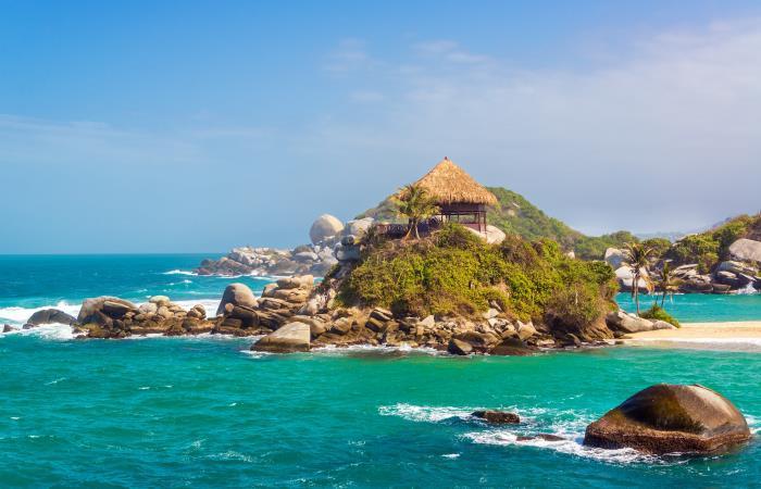 Solo pocas playas en el país, tienen corrientes suaves para poder ingresar a buceadores novatos. Foto: Shutterstock.