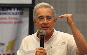 """¿Culpable? Daniel Coronell filtra grabación que probaría """"soborno"""" a testigos por parte de Uribe"""
