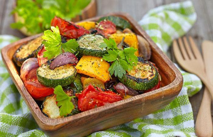 Comer comida vegetariana o vegana es una forma de alimentar saludablemente nuestro cuerpo