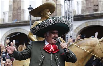 Después de tres años Vicente Fernández regresó a los escenarios