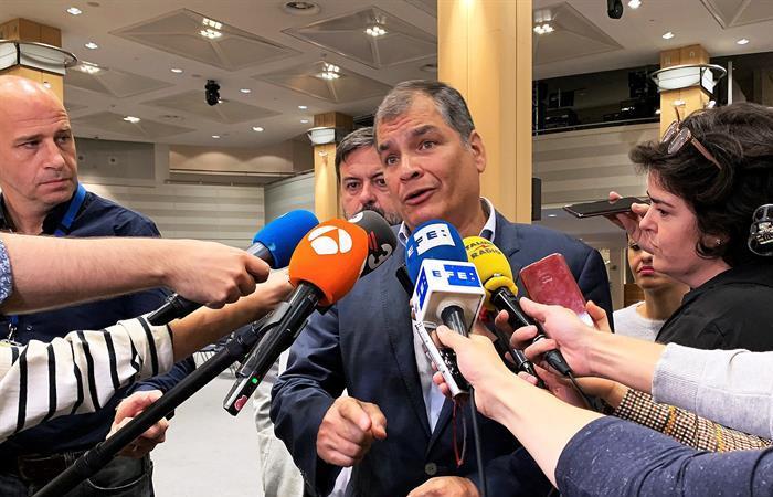Rafael Correa rechazó las acusaciones de golpismo por las protestas en Ecuador. Foto: EFE