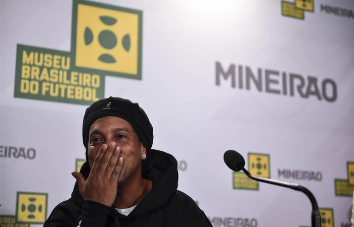 Ronaldinho está siendo investigado por supuestos vínculos con una pirámide. Foto: Twitter @10Ronaldinho