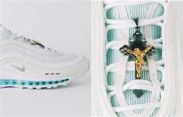 """¿Comprarías las """"Zapatillas de Jesús"""" con agua bendita en las suelas?"""