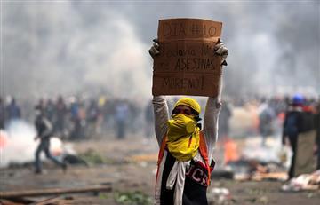 Presidente de Ecuador decreta toque de queda en Quito