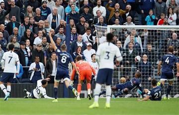 Dávinson Sánchez solo jugó 45 minutos en el empate entre Tottenham y Watford