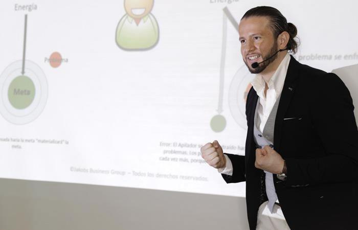 Sistema innovador de Carlos Jakobs para generar más clientes como consultor o proveedor de servicios