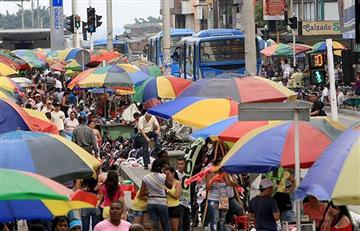 Corte Constitucional asegura que no es delito comprar empanadas en la calle