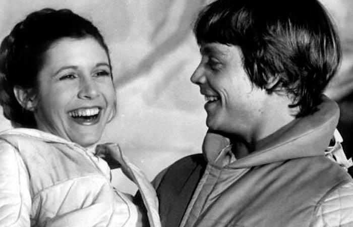 Mark Hamill y Carrie Fisher compartieron set en Star Wars. Foto: Twitter
