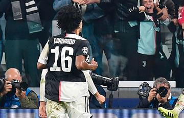 Cuadrado sigue demostrando sus habilidades como lateral defensivo en Juventus