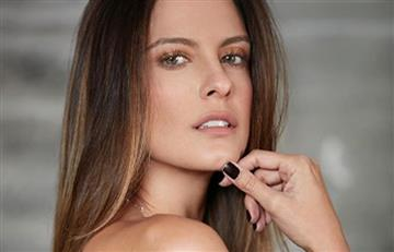 Prometido de famosa modelo colombiana le tomó sensual foto sin brasier a Laura Acuña