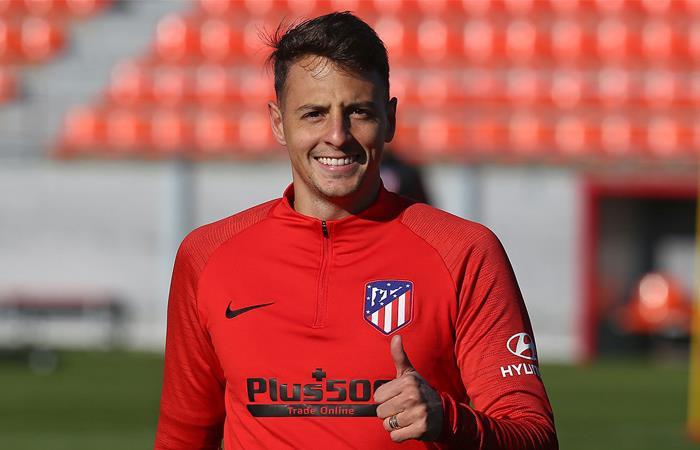 Santiago Arias ha empezado a recuperar la confianza de Simeone. Foto: Twitter