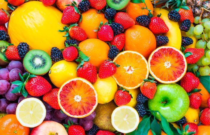 Las frutas también pueden ayudar en la prevención del cáncer. Foto: Shutterstock