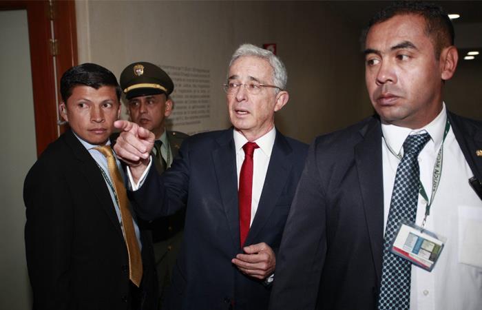 Álvaro Uribe, durante la indagatoria que tuvo en la Corte Suprema de Justicia, el pasado 8 de octubre. Foto: Twitter