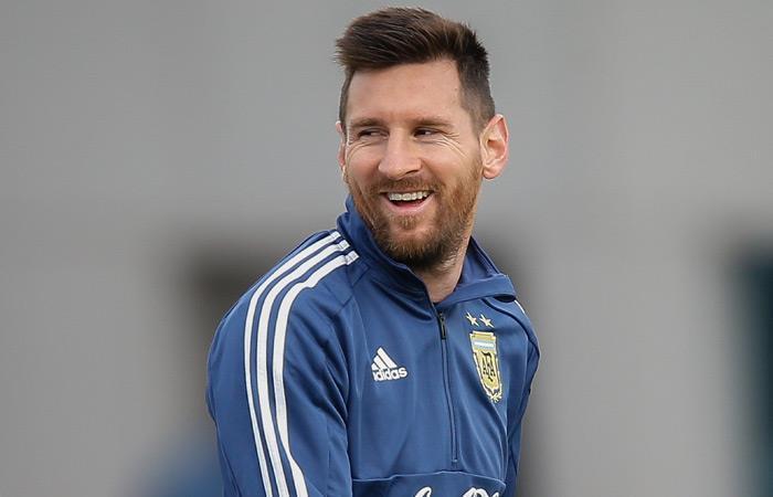 Messi, aclamado por los argentinos en Mallorca. Foto: EFE