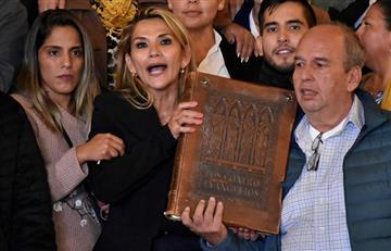 Jeanine Áñez tomó posesión de la presidencia de Bolivia