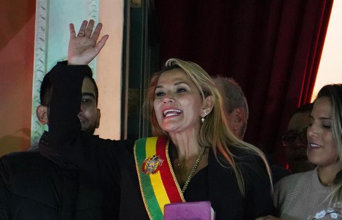 Colombia reconoce a Jeanine Áñez como presidente de Bolivia